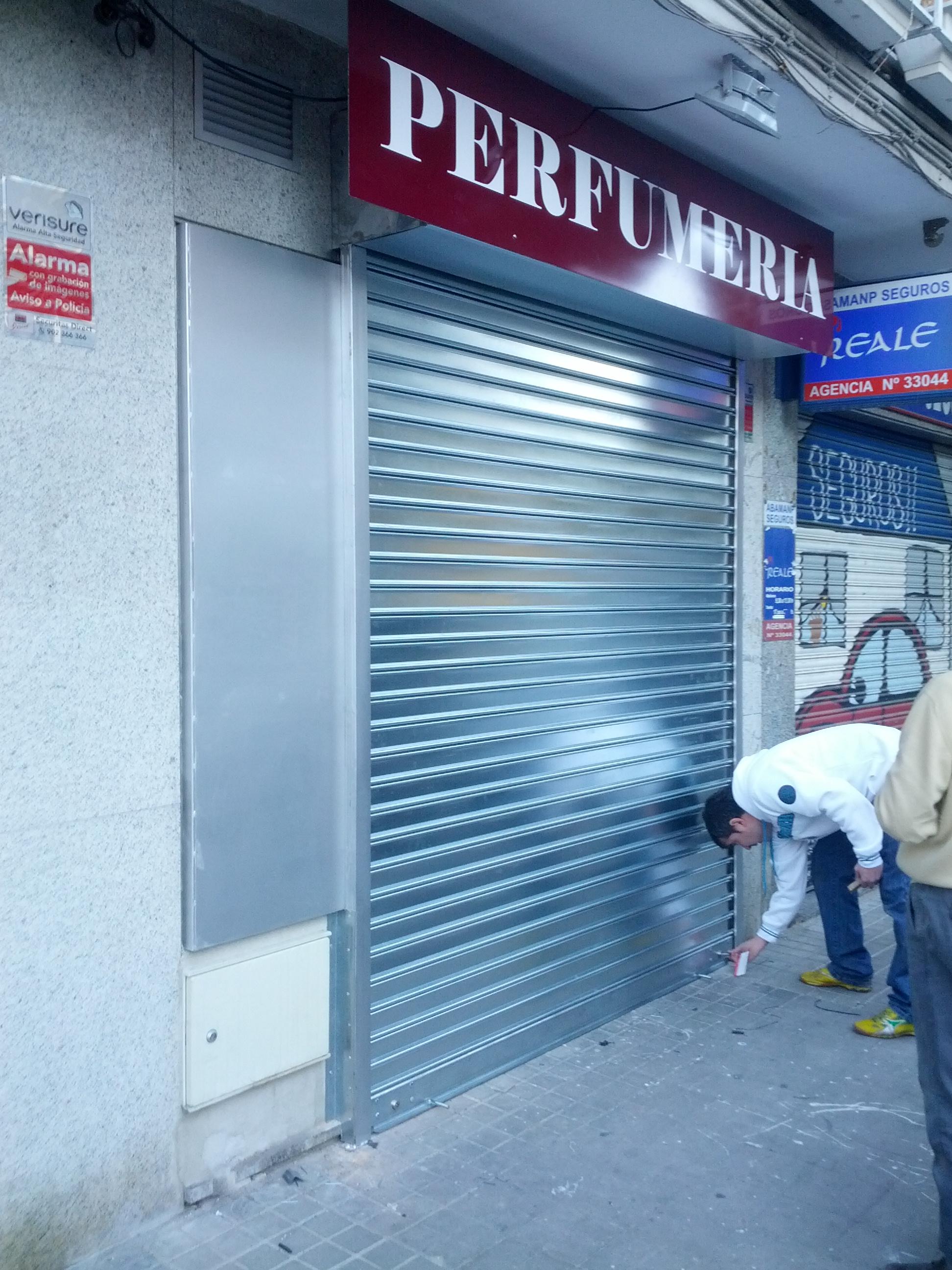 CIERRE METALICO Madrid DE LAMA CIEGA